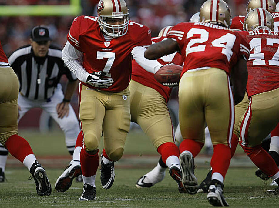 San Francisco 49er quarterback Nate Davis (7) hands off to Michael Robinson (24) as the San Francisco 49ers take on the Oakland Raiders at Candlestick Park in San Francisco, Calif., on Saturday August 22, 2009, in a pre-season game. Photo: Michael Macor, The Chronicle