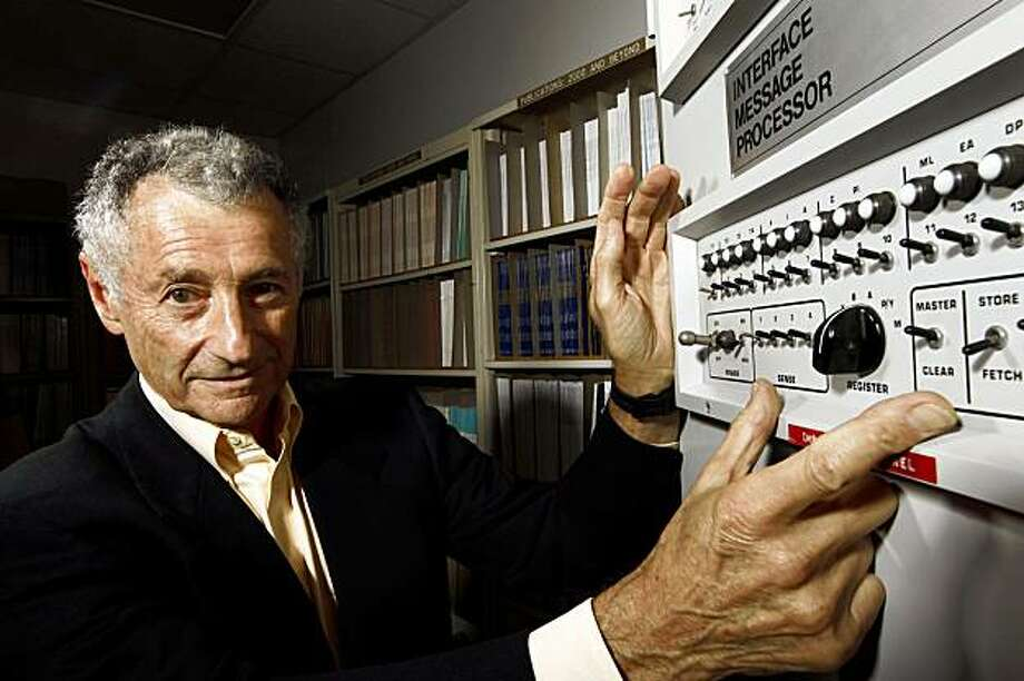 ** ADVANCE FOR USE MONDAY, AUG. 31 AND THEREAFTER ** In this Aug. 25, 2009 photo, internet pioneer Len Kleinrock poses for a portrait next to an Interface Message Processor. The Interface Message Processor was used to develop the internet.  (AP Photo/Matt Sayles) Photo: Matt Sayles, AP