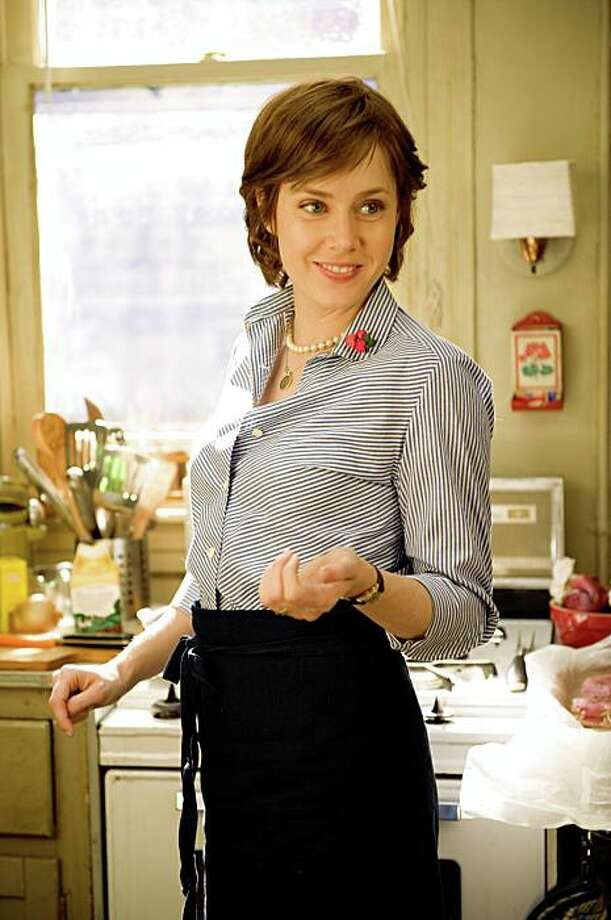 "Amy Adams in ""Julie & Julia."" Amy Adams as ""Julie Powell"" in Columbia Pictures' JULIE & JULIA. Photo: Jonathan Wenk, Sony Pictures"