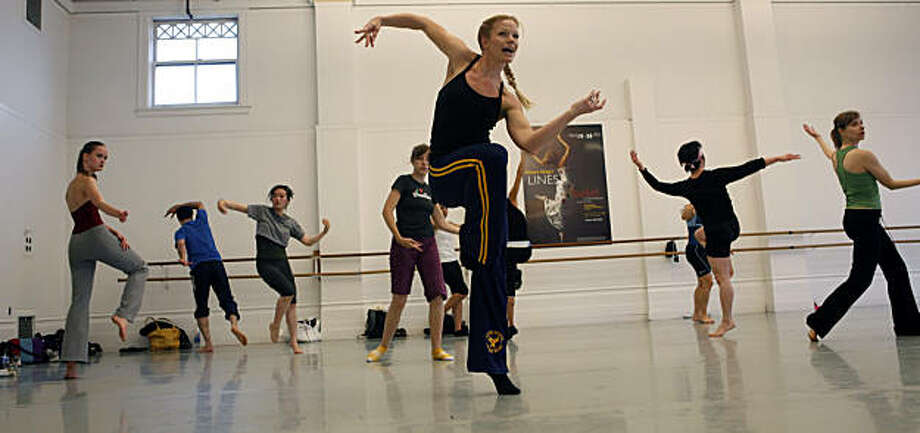 Kat Worthington leads the Intermediate Horton class at the San Francisco Dance Center on Wednesday, August 27, 2009, in San Francisco, Calif. The San Francisco Dance Center is celebrating its 20th anniversary this year. Photo: Carlos Avila Gonzalez, The Chronicle