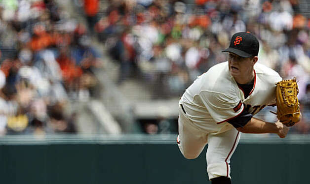 Giants winning pitcher Matt Cain works into the 9th inning Wednesday July 29, 2009.  The San Francisco Giants defeated the Pittsburgh Pirates 1-0 Photo: Lance Iversen, The Chronicle