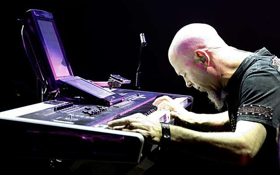 World-renowned keyboardist Jordan Rudess with Dream Theater plays the keyboard in front of his iPhone that he plays as a synthesizer using an app called Bebot. Aug 28, 2009 Photo: Lance Iversen, The Chronicle