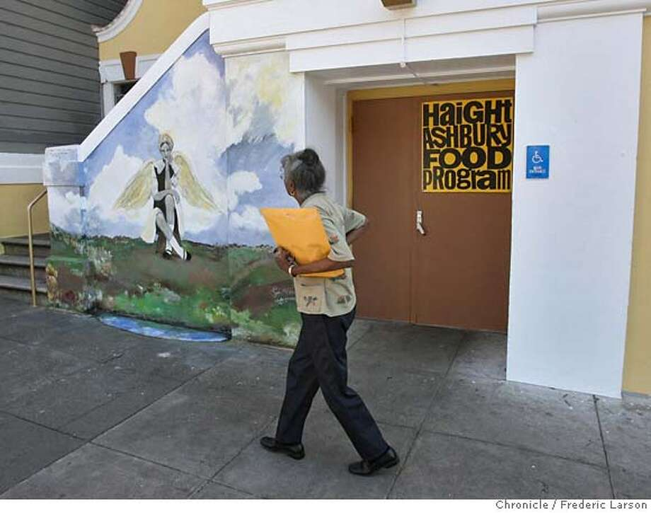 ###Live Caption:A pedestrian walked by the Haight Street Food Bank on Waller Street in San Francisco which closed there doors today April 11, 2008 after many decades of feeding the needy. 4/11/08 Photo by Frederic Larson / San Francisco ChronicleThe Haight Street Food Bank on Wallace Street closed there doors today, April 11, 2008 after many decades of feeding the needy. 4/11/08 Photo by Frederic Larson / San Francisco Chronicle###Caption History:A pedestrian walked by the Haight Street Food Program on Waller Street in San Francisco which closed there doors today April 11, 2008 after many decades of feeding the needy. 4/11/08 Photo by Frederic Larson / San Francisco ChronicleThe Haight Street Food Bank on Wallace Street closed there doors today, April 11, 2008 after many decades of feeding the needy. 4/11/08 Photo by Frederic Larson / San Francisco Chronicle###Notes:food bank###Special Instructions:MANDATORY CREDIT FOR PHOTOG AND SAN FRANCISCO CHRONICLE/NO SALES-MAGS OUT Photo: Frederic Larson