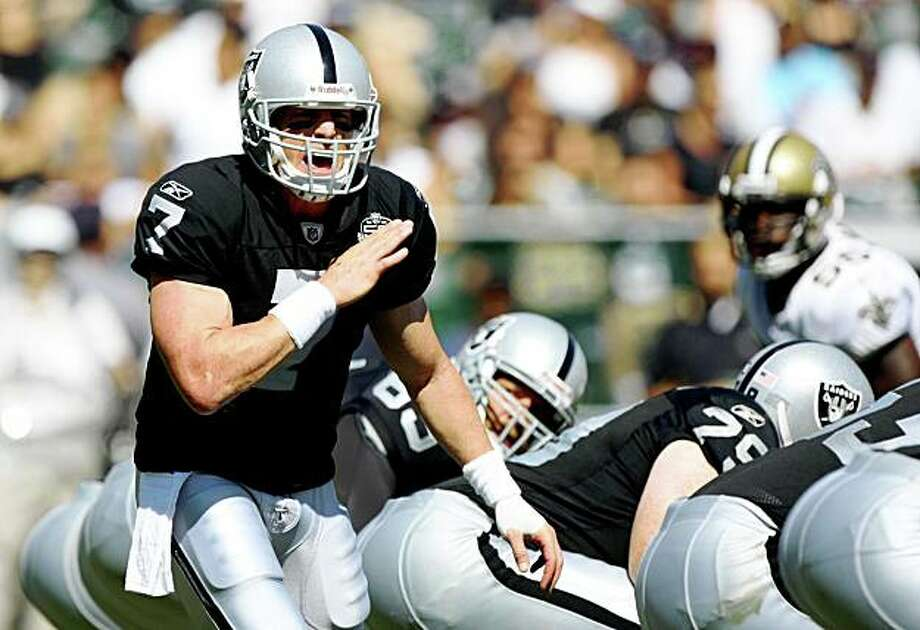 OAKLAND, CA - AUGUST 29:  Quarterback Jeff Garcia #7 of the Oakland Raiders calls signals before the snap during the preseason game against the New Orleans Saints at Oakland-Alameda County Coliseum on August 29, 2009 in Oakland, California. (Photo by Jed Jacobsohn/Getty Images) Photo: Jed Jacobsohn, Getty Images