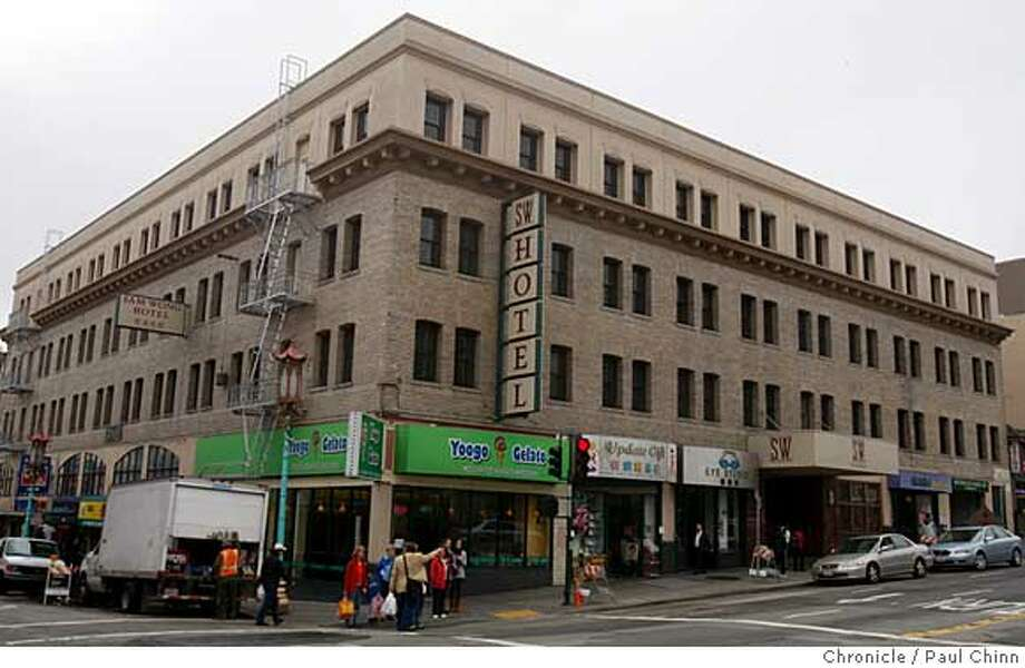 ###Live Caption:The Sam Wong Hotel, seen here at Grant Avenue and Broadway in San Francisco, Calif., on Tuesday, March 25, 2008, is located in the heart of Chinatown and North Beach.  Photo by Paul Chinn / San Francisco Chronicle###Caption History:The Sam Wong Hotel, seen here at Grant Avenue and Broadway in San Francisco, Calif., on Tuesday, March 25, 2008, is located in the heart of Chinatown and North Beach.  Photo by Paul Chinn / San Francisco Chronicle###Notes:###Special Instructions:MANDATORY CREDIT FOR PHOTOGRAPHER AND S.F. CHRONICLE/NO SALES - MAGS OUT Photo: Paul Chinn