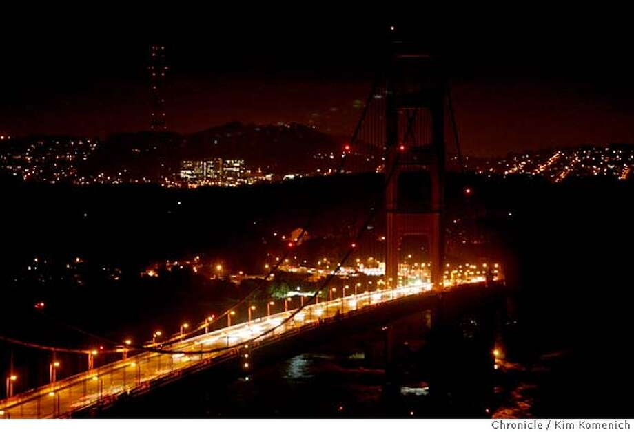 The lights on the towers of the Golden Gate Bridge were turned off on Saturday night March 29, 2008 in voluntary observance of Earth Hour. Residents and businesses were urged to cut the lights to call attention to overconsumption of energy worldwide  Photo by Kim Komenich / San Francisco Chronicle Photo: Kim Komenich