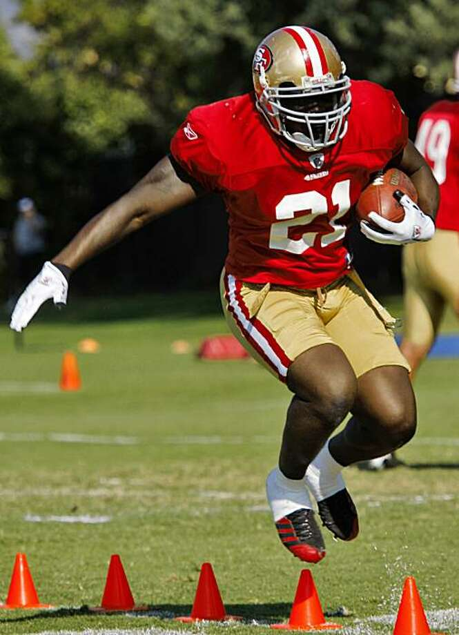 San Francisco 49ers running back Frank Gore practice with drills at training camp,Tuesday August 18, 2009, in Napa, Calif. Photo: Lacy Atkins, The Chronicle