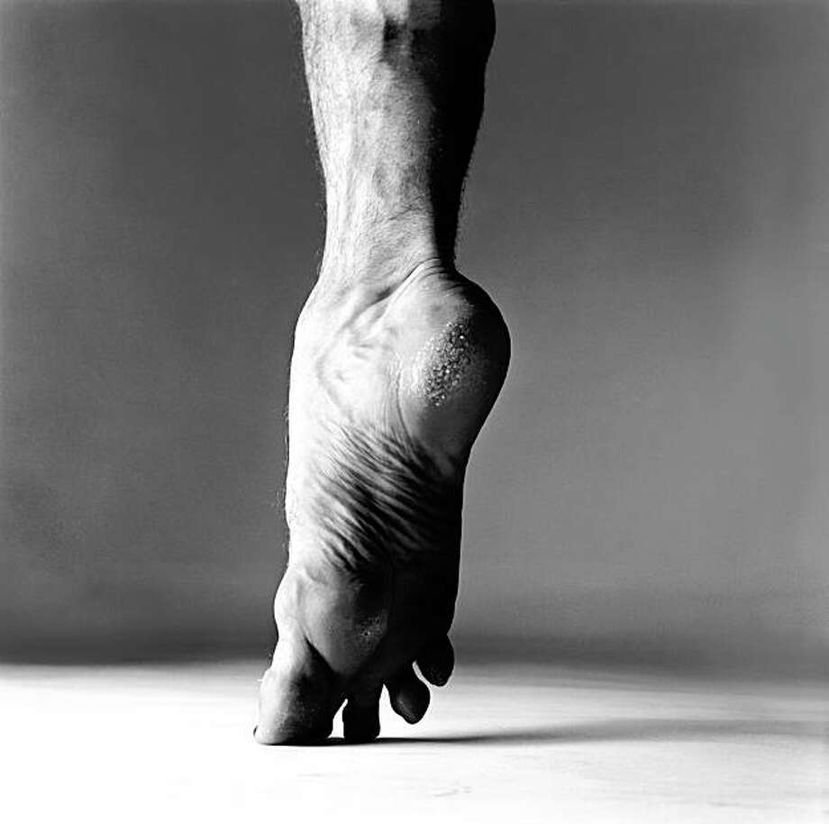 "Rudolf Nureyev, dancer, ""en pointe,"" New York, May 31, 1967 Photo: Richard Avedon, Richard Avedon Foundation, N.Y."