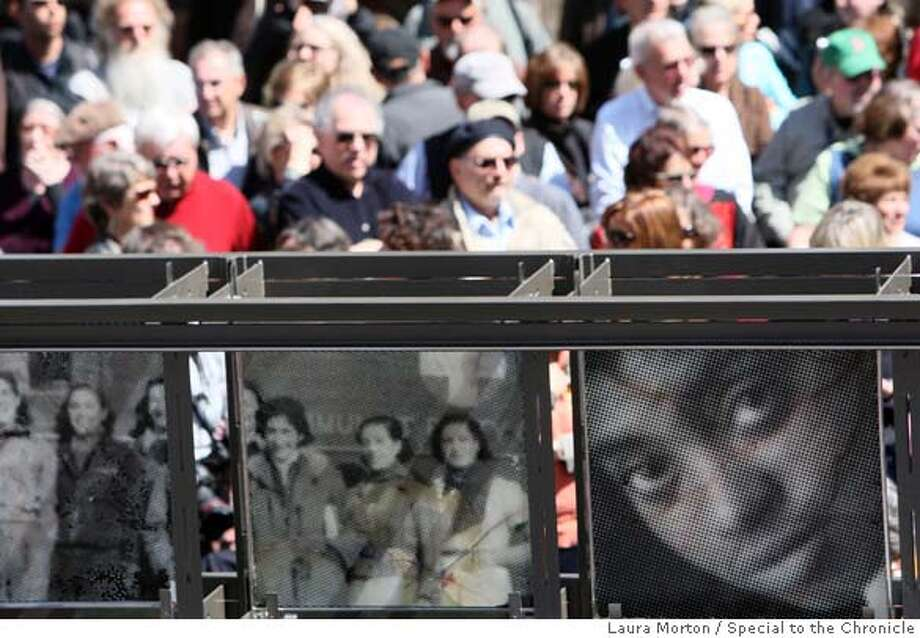 ###Live Caption:People line up behind a new memorial commemorating the Abraham Lincoln Brigade in the Spanish Civil War before the memorial's dedication ceremony in San Francisco, Calif., on Sunday, March 30, 2008. Photo by Laura Morton / Special to The Chronicle###Caption History:People line up behind a new memorial commemorating the Abraham Lincoln Brigade in the Spanish Civil War before the memorial's dedication ceremony in San Francisco, Calif., on Sunday, March 30, 2008. Photo by Laura Morton / Special to The Chronicle###Notes:###Special Instructions: Photo: Laura Morton