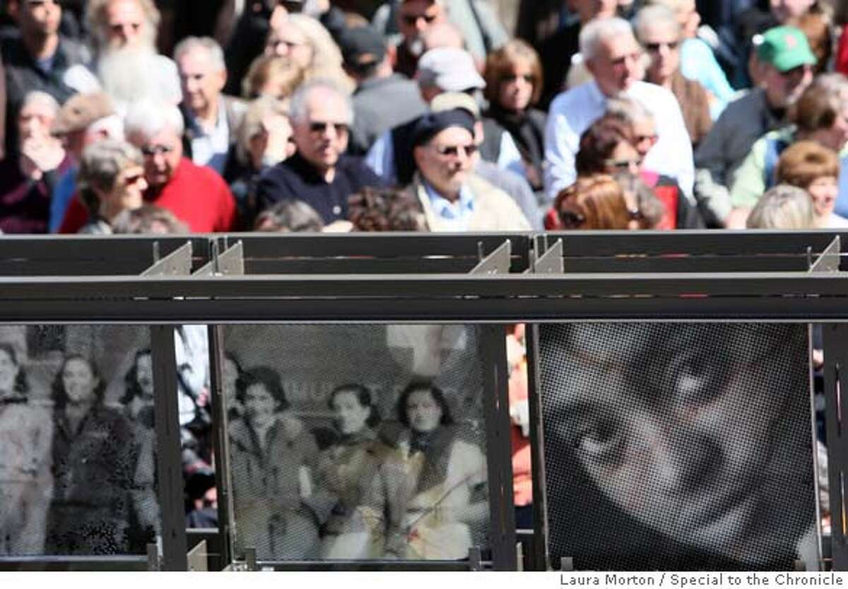 ###Live Caption:People line up behind a new memorial commemorating the Abraham Lincoln Brigade in the Spanish Civil War before the memorial's dedication ceremony in San Francisco, Calif., on Sunday, March 30, 2008. Photo by Laura Morton / Special to The Chronicle###Caption History:People line up behind a new memorial commemorating the Abraham Lincoln Brigade in the Spanish Civil War before the memorial's dedication ceremony in San Francisco, Calif., on Sunday, March 30, 2008. Photo by Laura Morton / Special to The Chronicle###Notes:###Special Instructions: