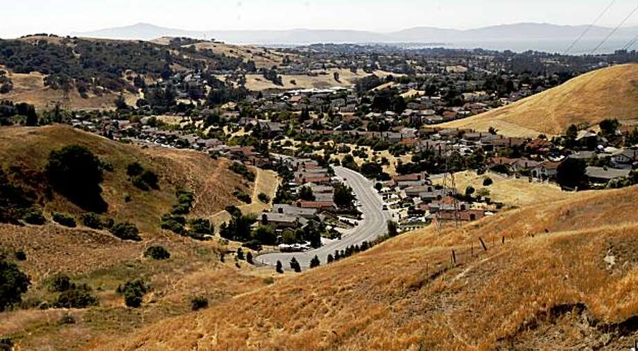 The housing development that sits on the end of Coronado Rd. that would have run into the newly-acquired parcel of land by the Muir Heritage Land Trust that will now preserved as open space, in Hercules, Calif. on Thursday,  Aug. 7, 2008. Photo: Katy Raddatz, The Chronicle