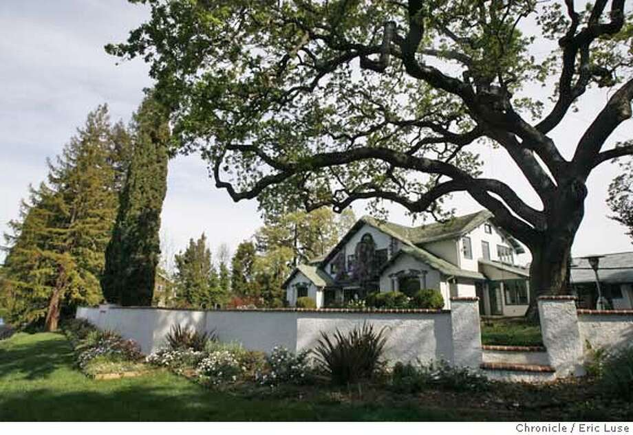 ###Live Caption:The oak tree next to the Lock family home at Stanford, Calif., photographed on Tuesday, March 25, 2008. It is well over a 100 years old before any home was built on the property. Photo by Eric Luse / San Francisco Chronicle###Caption History:The oak tree next to the Lock family home at Stanford, Calif., photographed on Tuesday, March 25, 2008. It is well over a 100 years old before any home was built on the property. Photo by Eric Luse / San Francisco Chronicle###Notes:Name cq by source  Lock###Special Instructions:MANDATORY CREDIT FOR PHOTOG AND SAN FRANCISCO CHRONICLE/NO SALES-MAGS OUT Photo: Eric Luse