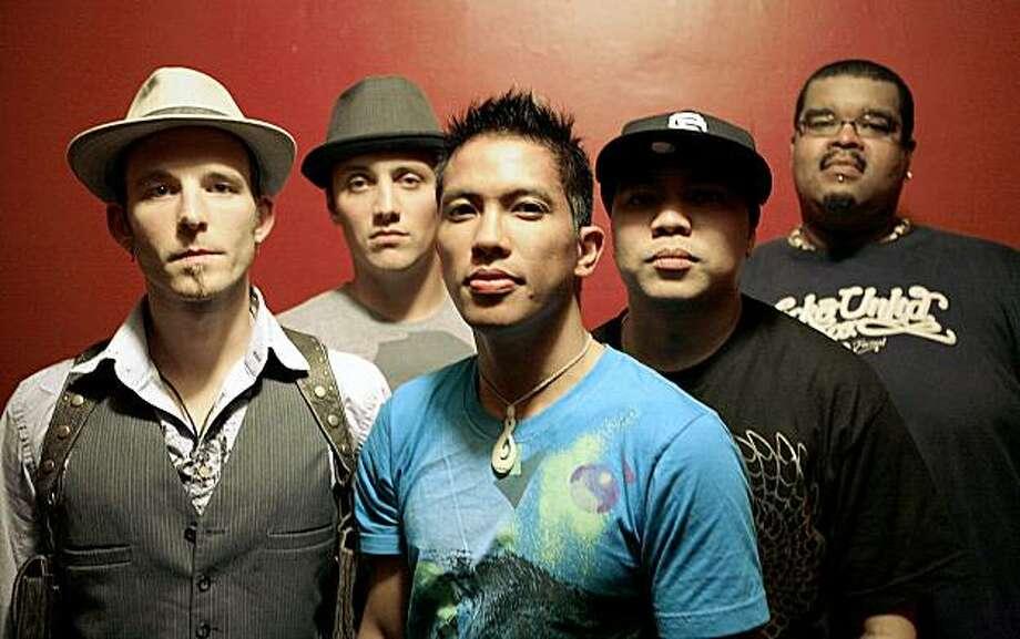 Kapakahi, featuring Josh Hoover, Steve Salta, Mike Dayao, Lansky and Chris Jones. Photo: Kevin Kunishi
