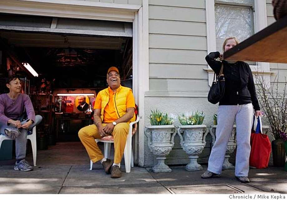 ###Live Caption:theCity Exposed Flower Guy A recent Saturday 12:21 p.m.: Sitting in front of his open garage flower shop as friends stop for a quick chat or wave, Guy Clark has a good laugh of his own. ÒIf you do what you love you donÕt have too many worries,Ó he says wearing his favorite yellow and orange outfit. Twenty-five years ago Guy started his business on the corner of Noe and 15th, giving single flowers to children who asked and wearing roller skates to go back and forth to the flower market downtown. Now, the old skates left far behind, he has seen many of his tiny customers grow into fine adults and Guy says he hopes to be there for the next generation of smiles to come looking for a flower. To hear audio and see more photos, go to sfgate.com/cityexposed.  E-mail Mike Kepka at mkepka@sfchronicle.com Photo by Mike Kepka / San Francisco Chronicle###Caption History:theCity Exposed Flower Guy A recent Saturday 12:21 p.m.: Sitting in front of his open garage flower shop as friends stop for a quick chat or wave, Guy Clark has a good laugh of his own. �If you do what you love you don�t have too many worries,� he says wearing his favorite yellow and orange outfit. Twenty-five years ago Guy started his business on the corner of Noe and 15th, giving single flowers to children who asked and wearing roller skates to go back and forth to the flower market downtown. Now, the old skates left far behind, he has seen many of his tiny customers grow into fine adults and Guy says he hopes to be there for the next generation of smiles to come looking for a flower. To hear audio and see more photos, go to sfgate.com/cityexposed.  E-mail Mike Kepka at mkepka@sfchronicle.com Photo by Mike Kepka / San Francisco Chronicle###Notes:(cq) guy clark###Special Instructions:MANDATORY CREDIT FOR PHOTOG AND SAN FRANCISCO CHRONICLE/NO SALES-MAGS OUT Photo: Mike Kepka