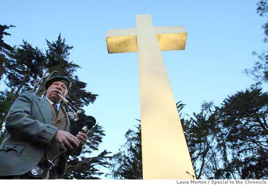 ###Live Caption:Lynne Miller plays the bagpipes to kick off the Easter sunrise service at Mt. Davidson Cross in San Francsico, Calif., on Sunday, March 23, 2008. Miller performs every year at the annual event. Photo by Laura Morton / Special to The Chronicle###Caption History:Lynne Miller plays the bagpipes to kick off the Easter sunrise service at Mt. Davidson Cross in San Francsico, Calif., on Sunday, March 23, 2008. Miller performs every year at the annual event. Photo by Laura Morton / Special to The Chronicle###Notes:Lynne Miller###Special Instructions: Photo: Laura Morton