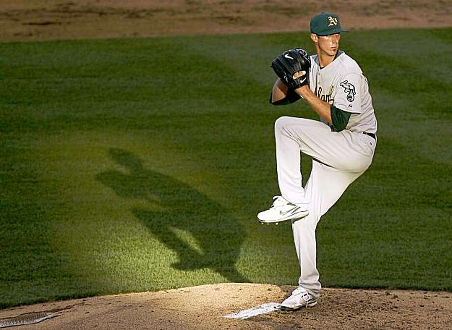 Oakland Athletics starting pitcher Clayton Mortensen throws in the second inning of a baseball game against the Kansas City Royals Saturday, Aug. 8, 2009, in Kansas City, Mo. (AP Photo/Ed Zurga) Photo: ED ZURGA, AP