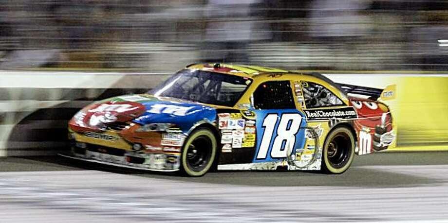 Kyle Busch runs in the NASCAR Sprint Cup Series Sharpie 500 in Bristol, Tenn., Saturday, Aug. 22, 2009. (AP Photo/Wade Payne) Photo: Wade Payne, AP