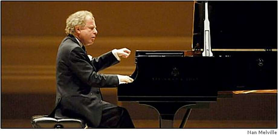Andr�s Schiff, pianist. Photo: Nan Melville