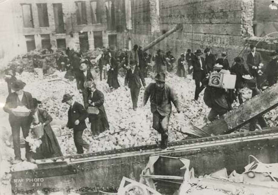 Looters in the ruins of the San Francisco Palace Hotel following the earthquake and fire of 1906 Photo: ?