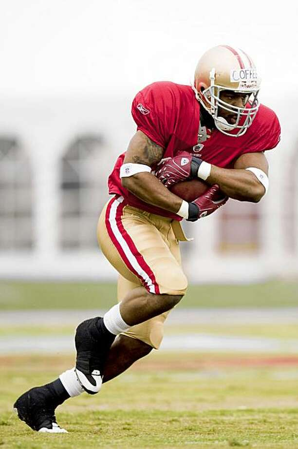 Rookie running back  Glen Coffee (29) of the San Fracisco 49ers carries the ball during training camp held at the 49ers Training Facility in Santa Clara, Calif. on Saturday, Aug. 1, 2009. Photo: Stephen Lam, The Chronicle