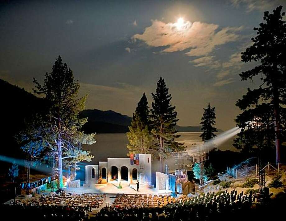 A performance during the Lake Tahoe Shakespeare Festival on the shores of Lake Tahoe. Photo: Jeff Dow, Lake Tahoe Shakespeare Festival