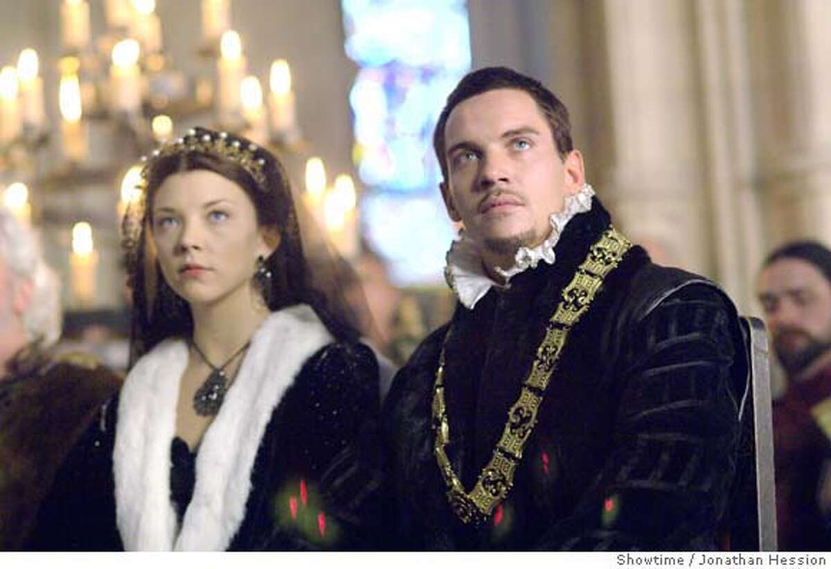 Natalie Dormer as Anne Boleyn and Jonathan Rhys Meyers as Henry VIII (Season 2 - episode 2) - Photo: Jonathan Hession/Showtime - Photo ID: tudors_202_0840 This image is the exclusive copyrighted property of CBS Broadcasting Inc. No CBS images may be sold, leased, duplicated, distributed or archived by organizations or agencies other than CBS. Permission for any usage can be granted only by CBS. All rights are strictly reserved. Natalie Dormer as Anne Boleyn and Jonathan Rhys Meyers as Henry VIII (Season 2 - episode 2) - Photo: Jonathan Hession/Showtime - Photo ID: tudors_202_0840