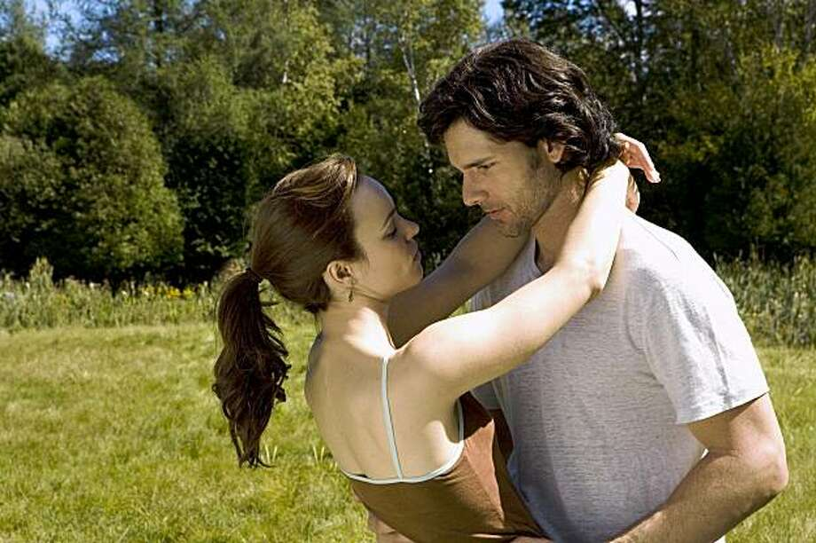 "Rachel McAdams and Eric Bana in ""The Time Traveler's Wife"" DF-00916r RACHEL McADAMS as Clare and ERIC BANA as Henry in New Line Cinema's romantic drama ÒThe Time Traveler's Wife,Ó a Warner Bros. Pictures release. Photo: Warner Bros. 2009 Alan Markfield"