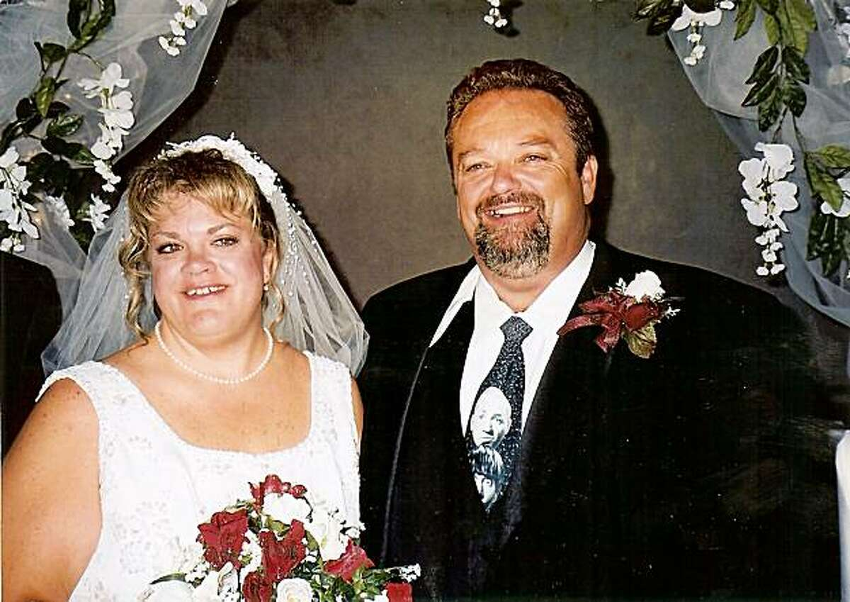 Stockton contractor Stanley Stinnett (with wife, Holly) was hospitalized with broken ribs and died due to medical errors at Modesto Memorial Medical Center.