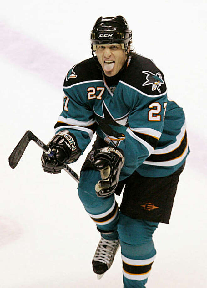 San Jose Sharks center Jeremy Roenick reacts after scoring the game's  winning goal on a penalty shot against the Chicago Blackhawks in  an NHL hockey game in San Jose, Calif., Saturday, Feb. 2, 2008. San Jose won, in a shootout, 3-2. (AP Photo/Marcio Jose Sanchez) Photo: Marcio Jose Sanchez, AP
