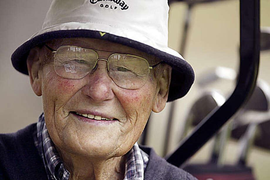 Larry Siemering, 92, poses for a portrait in Watsonville, Calif., on July 27, 2006. Photo: Bill Lovejoy, Santa Cruz Sentinel