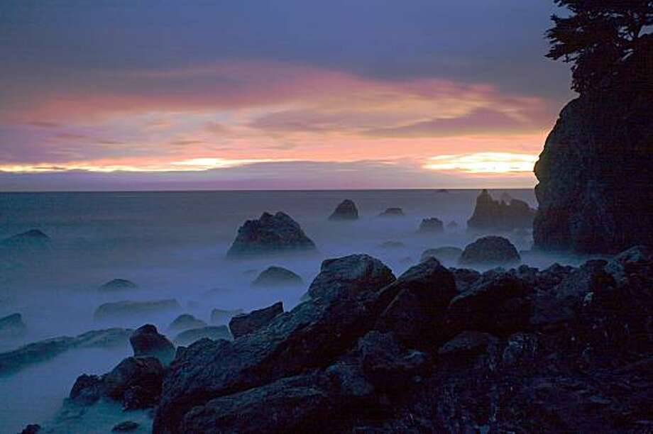 Big Sur in the evening, looking out at the Pacific from the Esalen Institute. Photo: Jeff Pflueger, NYT