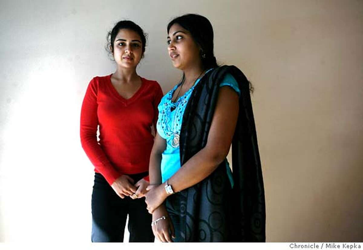 ###Live Caption:Reema Shahani and Rekha Sangameswaian, at the Indian Community Center in Milpitas, Calif. on Thursday, Feb. 28, 2008, are two of thousands of Indian women, who once had professional jobs in India and since following their spouses to California, were left with restrictive h4 visas that don't allow them to work in the United States. They say they struggle with issues of boredom and iscolation. Photo by Mike Kepka / San Francisco Chronicle###Caption History:Reema Shahani and Rekha Sangameswaian, at the Indian Community Center in Milpitas, Calif. on Thursday, Feb. 28, 2008, are two of thousands of Indian women, who once had professional jobs in India and since following their spouses to California, where left with restrictive h4 visas that don't allow them to work in the United States. They say they struggle with issues of boredom and iscolation. Photo by Mike Kepka / San Francisco Chronicle###Notes:(cq)###Special Instructions:MANDATORY CREDIT FOR PHOTOG AND SAN FRANCISCO CHRONICLE/NO SALES-MAGS OUT