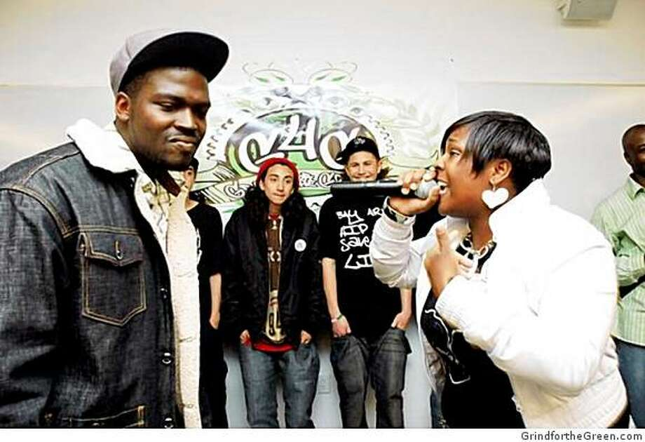 A hip-hop freestyle session with the Grind for the Green youth. Photo: GrindfortheGreen.com