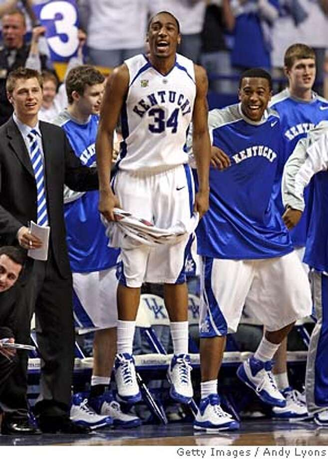 ###Live Caption:LEXINGTON, KY - MARCH 09: Ramon Harris #34 of the Kentucky Wildcats celebrates during their SEC game against the Florida Gators on March 9, 2007 at Rupp Arena in Lexington, Kentucky. Kentucky won 75-70. (Photo by Andy Lyons/Getty Images)###Caption History:LEXINGTON, KY - MARCH 09: Ramon Harris #34 of the Kentucky Wildcats celebrates during their SEC game against the Florida Gators on March 9, 2007 at Rupp Arena in Lexington, Kentucky. Kentucky won 75-70. (Photo by Andy Lyons/Getty Images)###Notes:Florida v Kentucky###Special Instructions: Photo: Andy Lyons