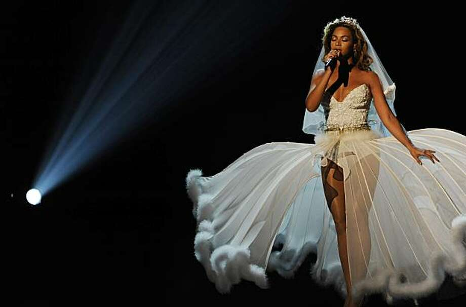 Beyonce performs at the 9th Annual BET Awards on Sunday, June 28, 2009, in Los Angeles. (AP Photo/Chris Pizzello) Photo: Chris Pizzello, AP