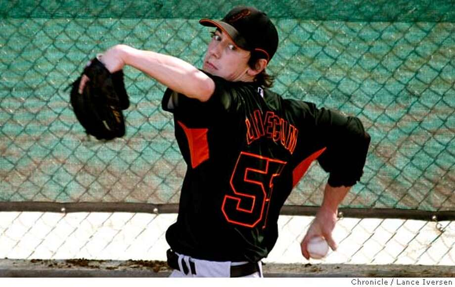 ###Live Caption:San Francisco Giants #55 Tim Lincecum works out in the bullpen at Scottsdale Stadium during their spring training baseball workout in Ariz, Sunday. By Lance Iversen/The San Francisco Chronicle###Caption History:San Francisco Giants #55 Tim Lincecum works out in the bullpen at Scottsdale Stadium during their spring training baseball workout in Ariz, Sunday. By Lance Iversen/The San Francisco Chronicle###Notes:Iversen 415-297-9395  CQ###Special Instructions:MANDATORY CREDIT PHOTOG AND SAN FRANCISCO CHRONICLE/NO SALES MAGS OUT Photo: Lance Iversen