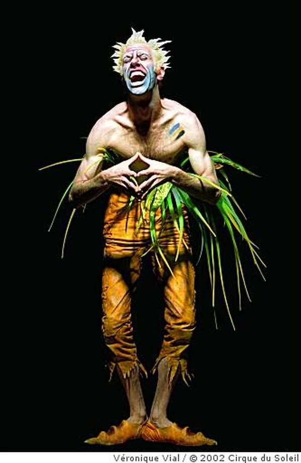 John Gilkey  Costume: Eiko Ishioka Photo: Véronique Vial, © 2002 Cirque Du Soleil