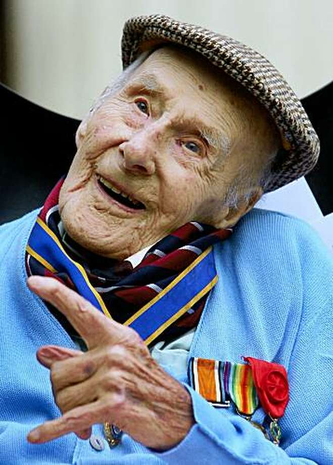 ** CORRECTING TO BE ONE OF LAST SURVIVING WWI VETERANS ** FILE- In this file photo dated April 30, 2009, showing former British First World War veteran Henry Allingham, who died aged 113-years old, on Saturday July 18, 2009.  Allingham joined the British Royal Naval Air Service in 1915 and took part in the infamous WWI naval battle, the Battle of Jutland.  Allingham was the world's oldest man, and was one of the last surviving WWI veterans.  (AP Photo / Gareth Fuller, file, PA) ** UNITED KINGDOM OUT - NO SALES - NO ARCHIVES ** Photo: Gareth Fuller, AP
