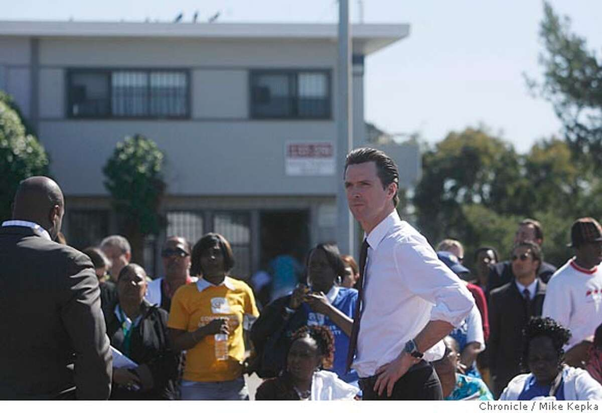 Mayor Gavin Newsom speaks to Hunter's View community members, on Wednesday, Mar. 5, 2008 in San Francisco, Calif., about a new plan to help public housing residents get out from under ever growing back rent payments. Photo by Mike Kepka / San Francisco Chronicle Ran on: 03-09-2008 Mayor Gavin Newsom