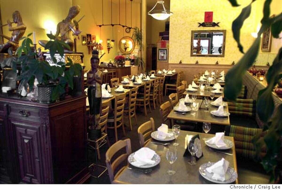 LEMONGRASS05B-C-30JAN03-FD-CL Lemongrass Thai restaurant for a review. Photo by Craig Lee/San Francisco Chronicle