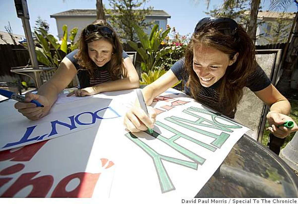 (L-R) Allison Quaintance and Jill Price make signs for their Tea Party at Allison's home July 2, 2009 in Discovery Bay, Calif. (Photograph by David Paul Morris/Special to The Chronicle