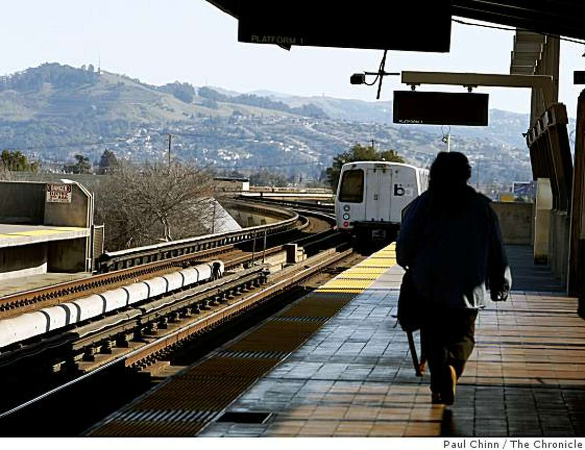 A southbound train leaves the Fruitvale BART station in Oakland, Calif., on Thursday, Jan. 29, 2009.