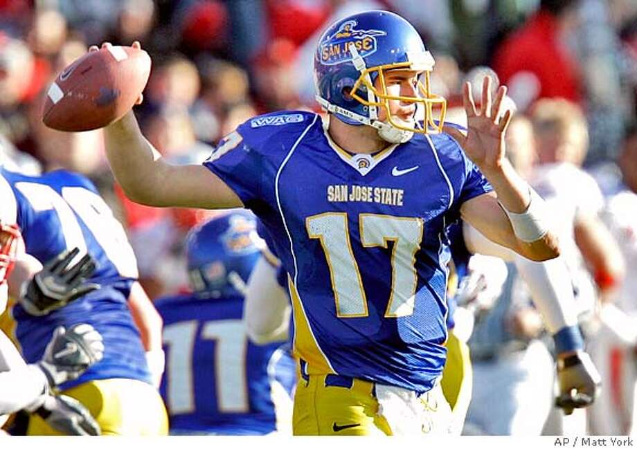 San Jose State quarterback Adam Tafralis (7) passes against New Mexico during fist quarter of the New Mexico Bowl football game Saturday, Dec. 23, 2006 in Albuquerque, NM. (AP Photo/Matt York)  Ran on: 12-24-2006 Ran on: 12-24-2006 Photo: Matt York