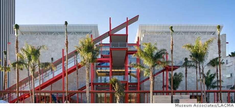 Broad Contemporary Art Museum, north facade, palm garden, Robert Irwin. January, 2008 CR: Museum Associates/LACMA Photo: CR: Museum Associates/LACMA
