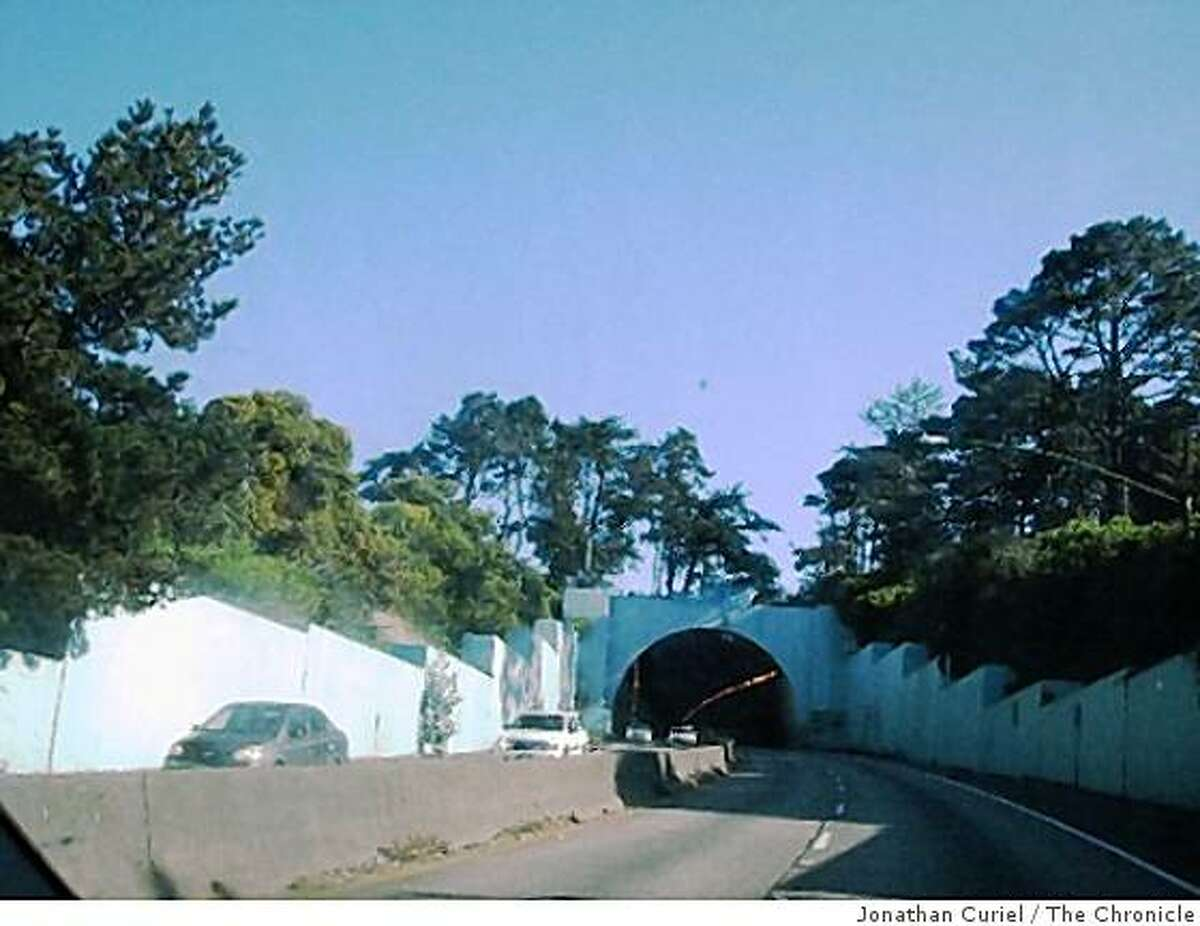 General Douglas MacArthur Tunnel in s.f.