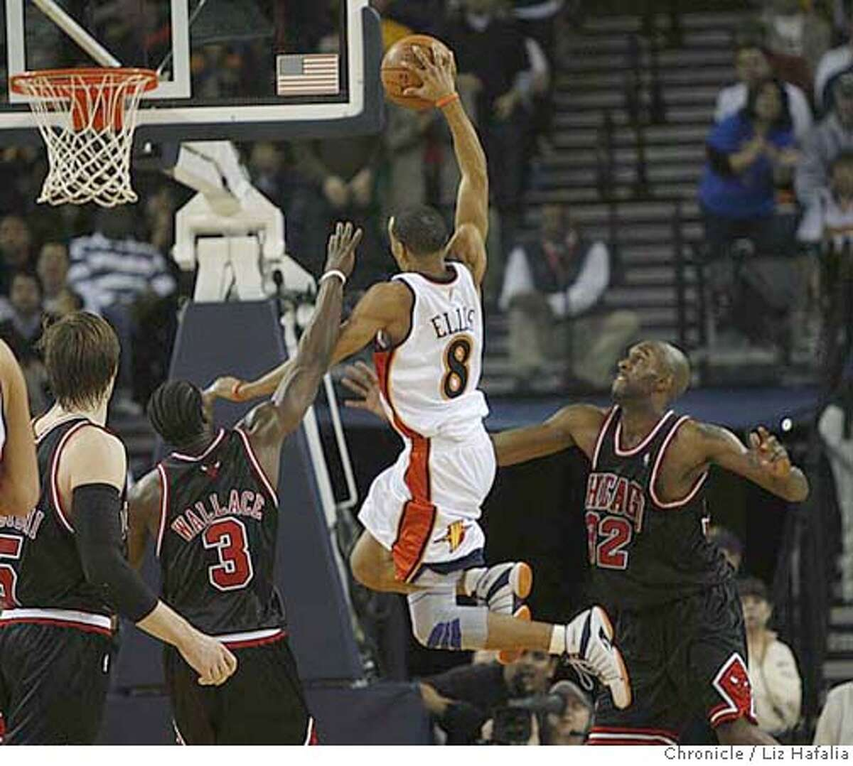 Golden State Warriors vs. Chicago Bulls at the Oracle arena. Warriors' Monta Ellis scores during the last minute of the second half. �2008, San Francisco Chronicle/ Liz Hafalia MANDATORY CREDIT FOR PHOTOG AND SAN FRANCISCO CHRONICLE. NO SALES- MAGS OUT.