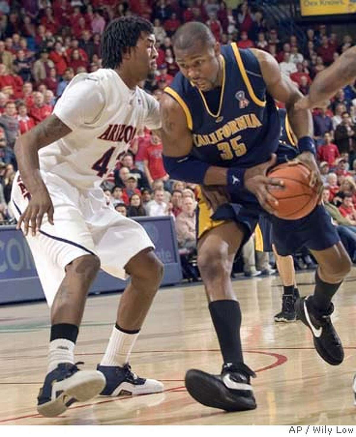 California's DeVon Hardin (35) tries to drive to the basket around Arizona's Jordan Hill (43) in the first half of a college basketball game in Tucson, Ariz., Thursday, Feb. 14, 2008. (AP Photo/Wily Low) EFE OUT