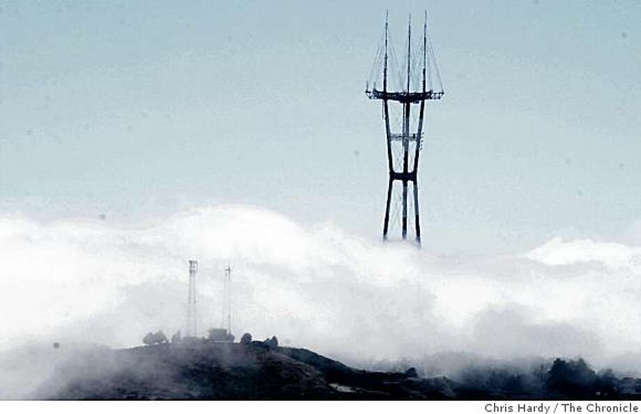 FOG COMES INTO THE CITY OVER TWIN PEAKS AND SUTRO TOWER Photo: Chris Hardy, The Chronicle