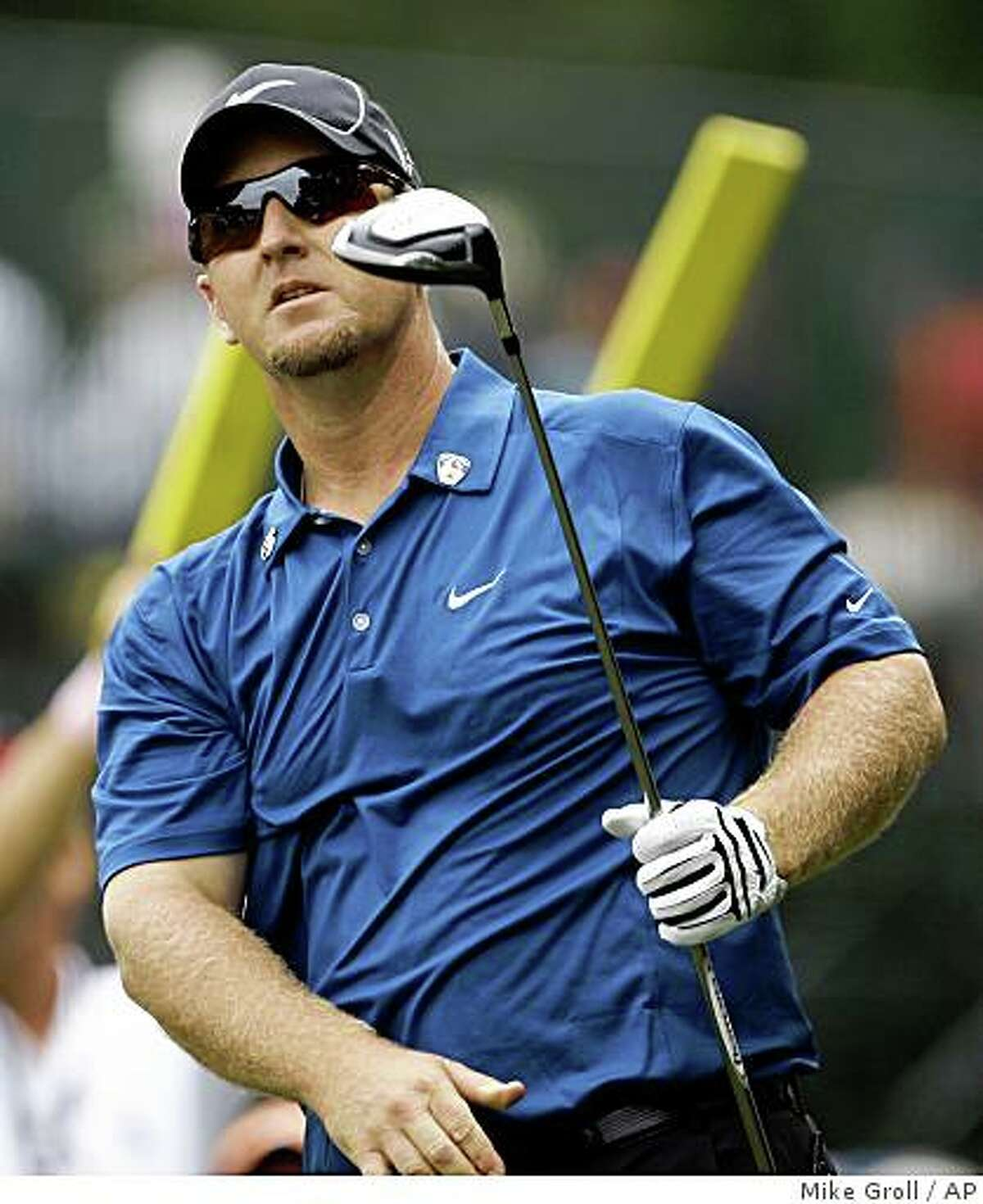 David Duval follows his drive on the 12th tee during the first round of the U.S. Open Golf Championship at Bethpage State Park's Black Course in Farmingdale, N.Y., Friday, June 19, 2009. (AP Photo/Mike Groll)