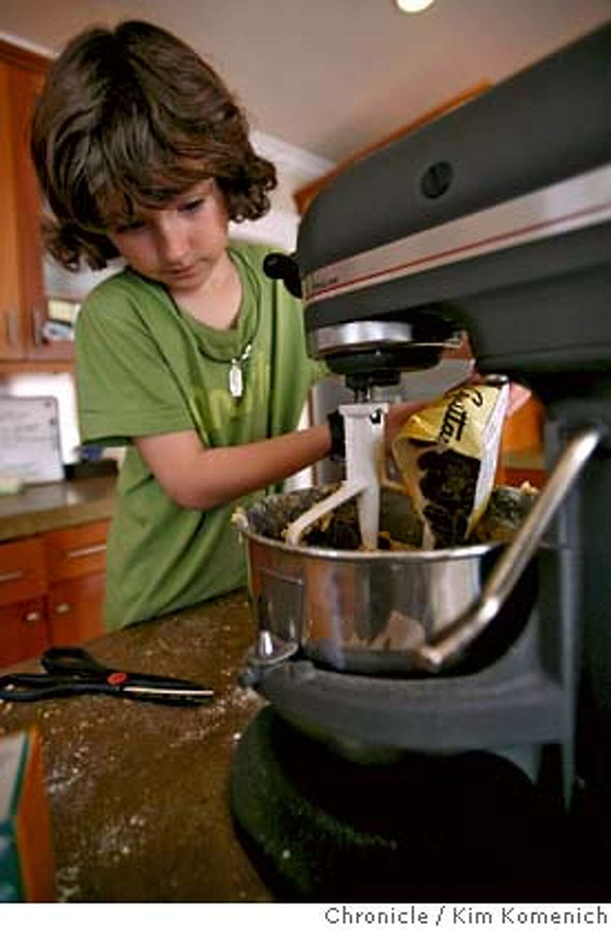 Mickey Hirigoyen, 8, prepares chocolate chip cookies February 20, 2008 in Mill Valley. Mickey is the son of Piperade chef Gerald Hirigoyen. Photo by Kim Komenich/San Francisco Chronicle MANDATORY CREDIT FOR PHOTOG AND SAN FRANCISCO CHRONICLE. NO SALES- MAGS OUT.